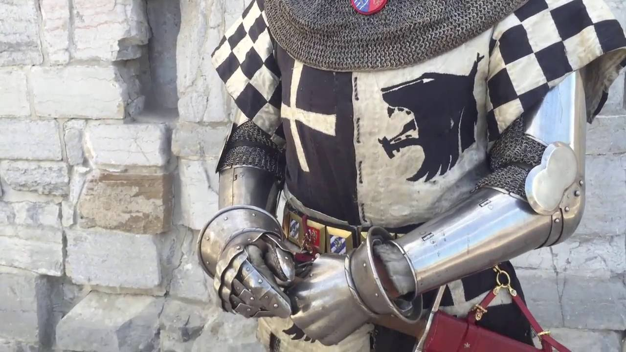 Dressing In Late 14th Century Armour Youtube