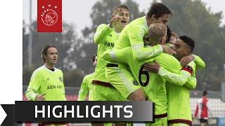 Ajax A1 walst over Feyenoord heen