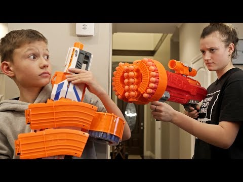 Nerf WAR! BOY vs GIRL 4!