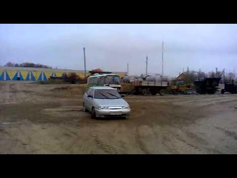 дрифтинг на селе.mp4