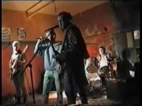 ath�roscl�rose concert des 6 roses du froid au télégraphe à ath b le 13 novembre 2004