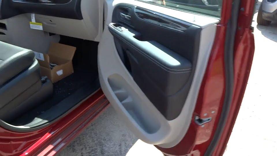 2016 Chrysler Town Amp Country Lansing Matteson