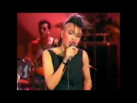 Bow Wow Wow - I Want Candy - Live 1983 - HD Video