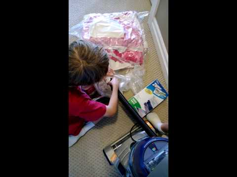 spring-cleaning-with-ziploc-space-bags-|-home-storage-essentials