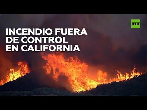 RT en Español: Miles de evacuados por un incendio forestal en el sur de California