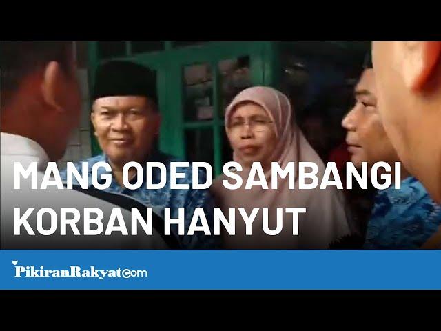 Mang Oded Kunjungi Korban Hanyut di Caringin