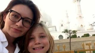Video ABU DHABI MOSQUE BY SUNSET - visiting for prayer and adapting to local dress code. download MP3, 3GP, MP4, WEBM, AVI, FLV Agustus 2018