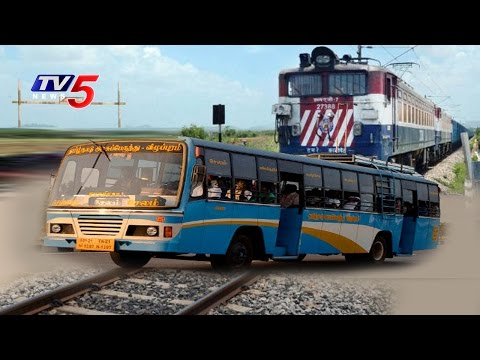 Great Escape | Railroad Crossing Gate introuble | RTC Bus Escaped from Big Accident | TV5 News