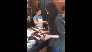女子動画ならC CHANNEL http://www.cchan.tv/ お店でキャラメルを手作り...