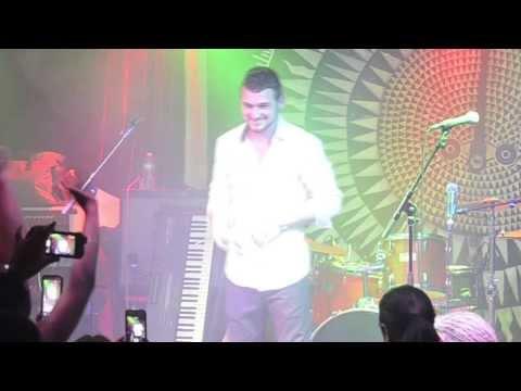 Taylor Laraia - Kiss You In The Rain (Live)
