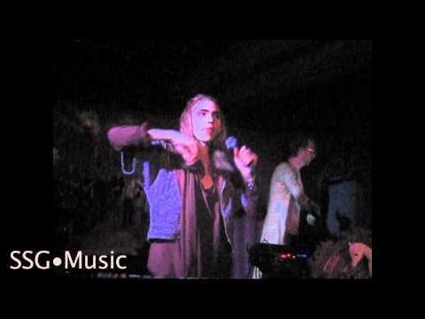 "Grimes ""Vanessa"" Live at Sunset Tavern | SSG Music"