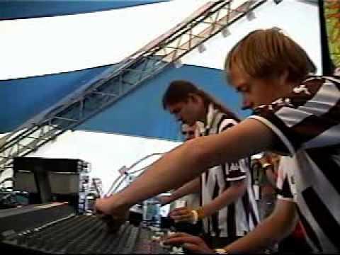 Midimiliz live @ Arrival 5 festival, Montreal, Canada 2001.mov