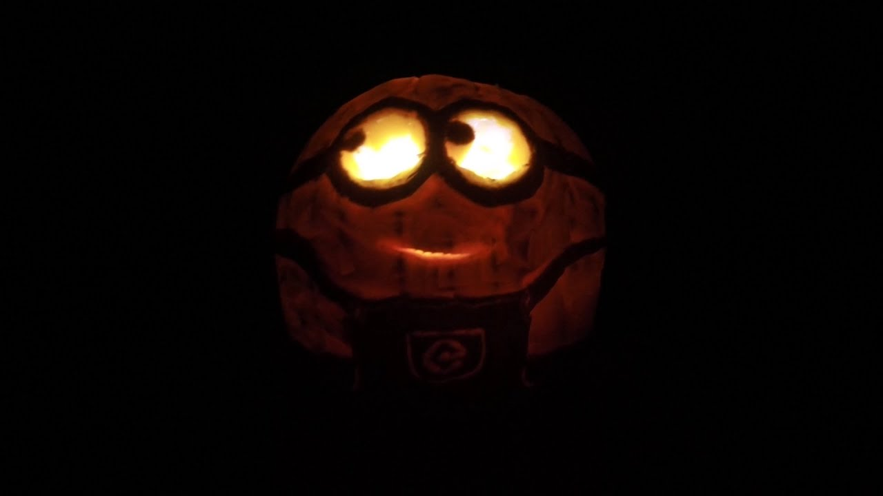 how to carve a minion pumpkin for halloween - time lapse - youtube