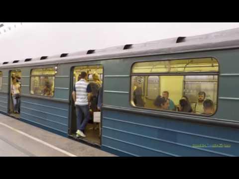 Метро в Москве: The Beautiful Metro System in Moscow, Russia 2016