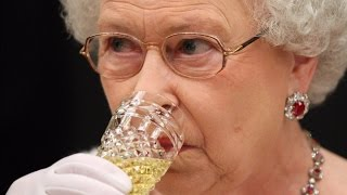 While you may assume her Royal Majesty the Queen enjoys fine dining...