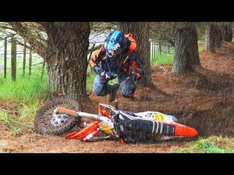 CRAZY HARESCRAMBLE!!! (RAIN & MUD) - 2017 Acerbis 4 Hour