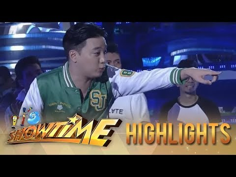 It's Showtime PUROKatatawanan: Kim Chiu tries to spoil Ryan Bang's fishy joke!