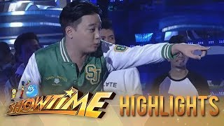 It's Showtime PUROKatatawanan: Kim Chiu tries to spoil Ryan Bang's fishy joke!