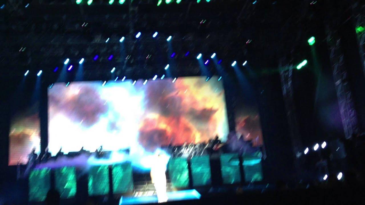 Justin Bieber - Speech + Catching Feelings BELIEVE TOUR ...  Justin Bieber -...