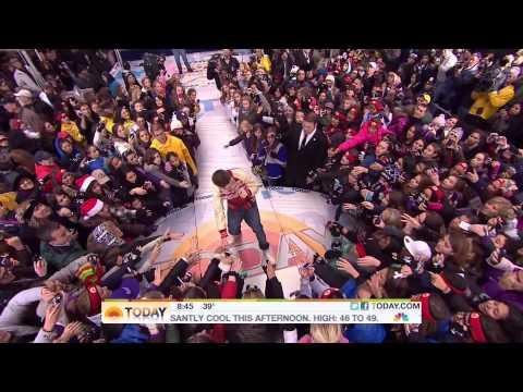 Justin Bieber - Mistletoe - Live Today Show - 23/11/2011