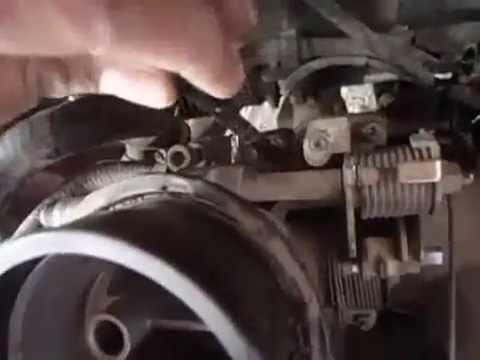 Nissan Tsuru Vibra Mucho Estando En Marcha Minima Y Se Quiere Apagar Youtube