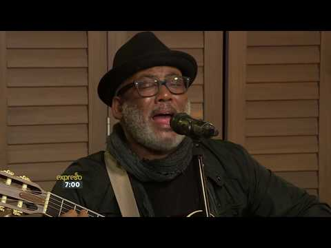 "Jonathan Butler Performs ""What the World Needs Now Is Love"""