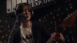 Sharon Van Etten - Every Time The Sun Comes Up (Live on KEXP)