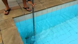 samsung galaxy s5 passa no teste de resistncia a gua na piscina review
