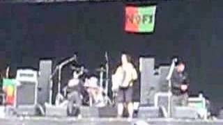 Eric Melvin (NOFX) Playing Accordion at greenfield 08