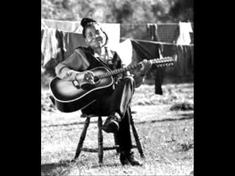 Algia Mae Hinton  - My Baby 's Gone