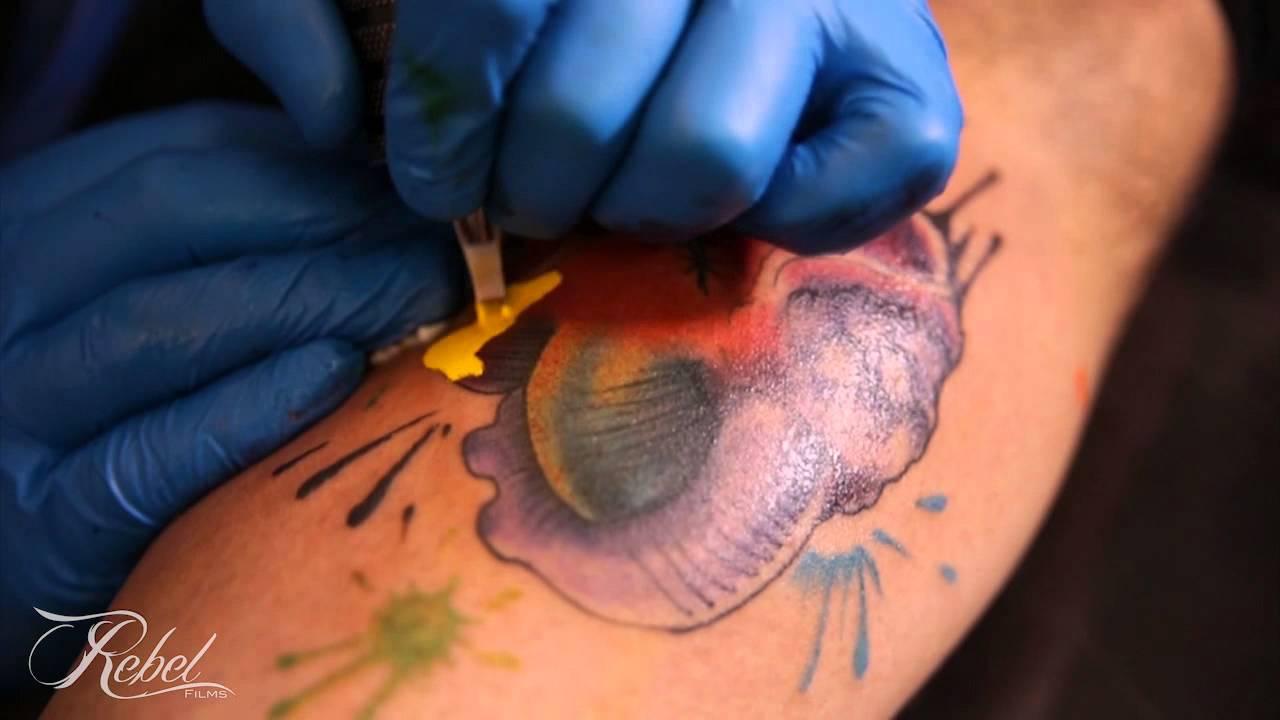 Tinta y Piel - Marco Silva (Proceso de tatuaje) - YouTube