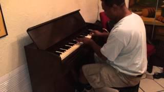 Kris Nicholson Playing A YAMAHA Pump Organ