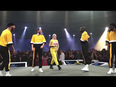 Anne Marie singing & dancing Ciao Adios  live - Consumer Live, 2018