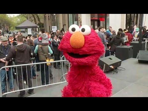 نيوريورك تكرم مسلسل الاطفال -شارع سمسم- وتطلق اسمه على تقاطع شهير…