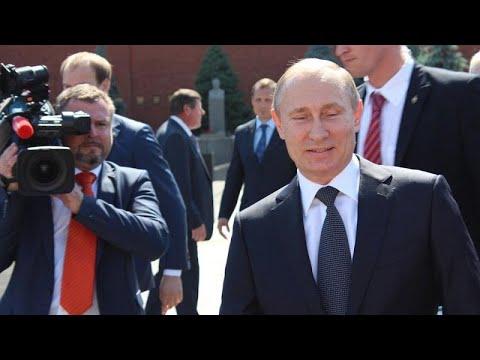 """Parlamento russo dá """"luz verde"""" a recandidatura de Putin à presidência"""
