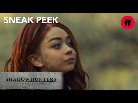 Sarah Hyland is The Seelie Queen | Sneak Peek: Season 2 | Shadowhunters
