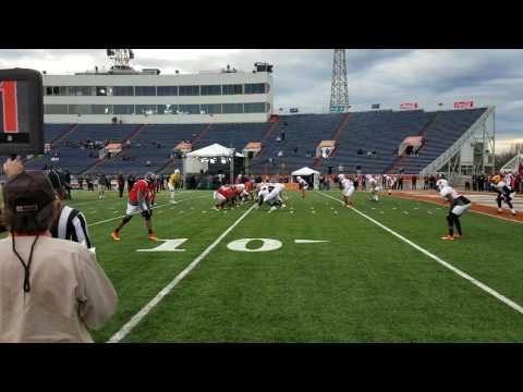 Josh Dobbs scores a rushing touchdown at 2017 Senior Bowl practice