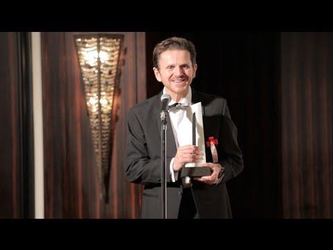 BIJ NOW: Steve Crane wins 2013 Entrepreneur of the Year award