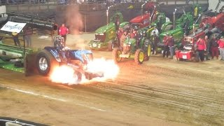 Repeat youtube video Tractorpulling - Best of Crash USA