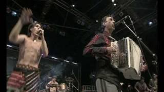 Смотреть клип Zdob Si Zdub Feat. Hubert Von Goisern - Koa Hiatamadl