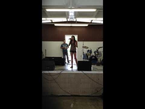 Brenda K Starr 13 year old Kaylise Renay singing Herida  salsa