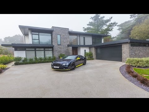 Contemporary 4 Bedroom Detached House In Nairn Road, Canford Cliffs, Poole