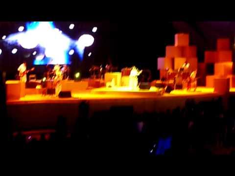 草莓救星 - 美麗星球人 (風和日麗連連看 at 圓滿劇場, Taichung 2010.3.27) - YouTube