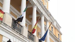 Banderas a media asta en Badajoz en señal de duelo