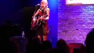 "Aimee Mann performs ""Columbus Ave"" at City Winery Chicago"
