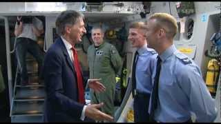 Hammond unveils new RAF C-17 aircraft 24.05.12