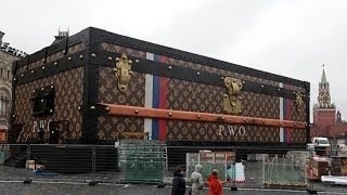 Giant Louis Vuitton Trunk In Red Square: Residents Upset