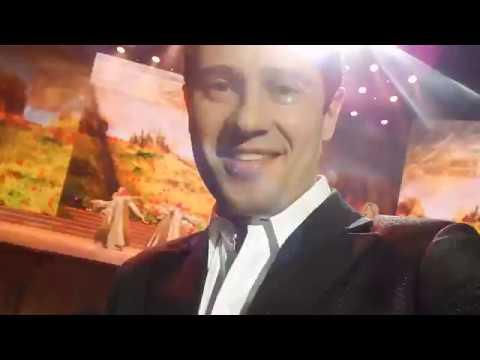 Видео: Самый приятный момент в Кремлевском дворце. Антон Макарский пел с женой