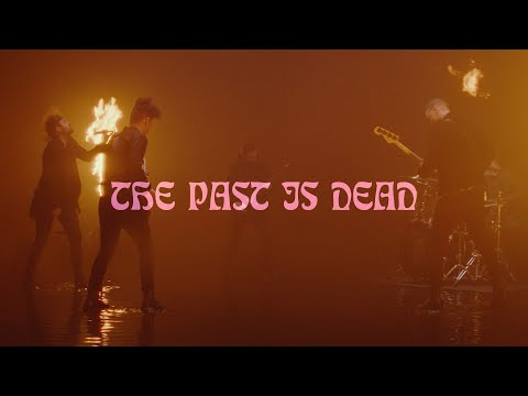 Beartooth - The Past Is Dead (Official Music Video)