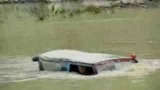 Suzuki 4x4 Increíble, Cruzando lago, CRAZY